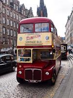 Emeletes városnéző busz Edinburghben