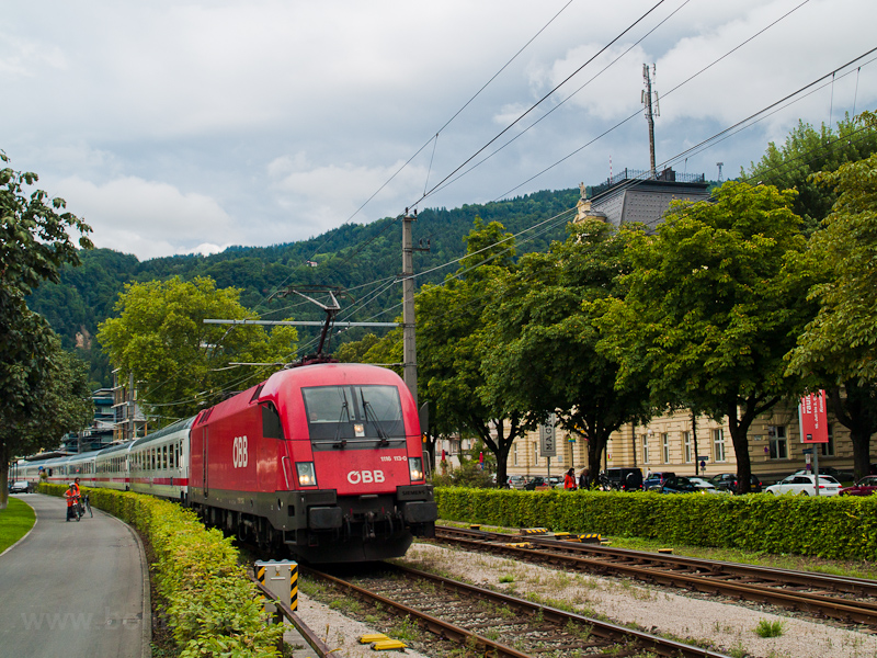 The ÖBB 1116 113-0 seen between Bregenz Hafen and Bregenz photo
