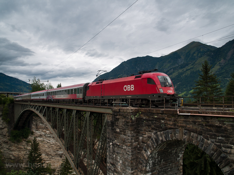 The ÖBB 1116 158-5 seen between Bad Hofgastein Haltestelle and Angertal on the old Angerschluchtbrücke photo