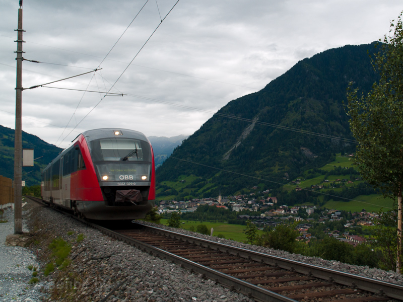 The ÖBB 5022 029-0 seen bet photo