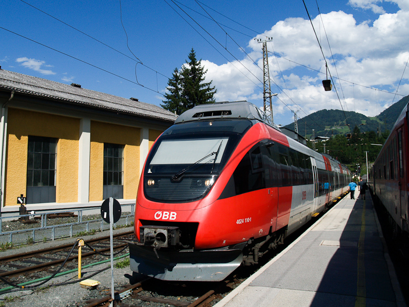 The ÖBB 4024 110-1 seen at  photo