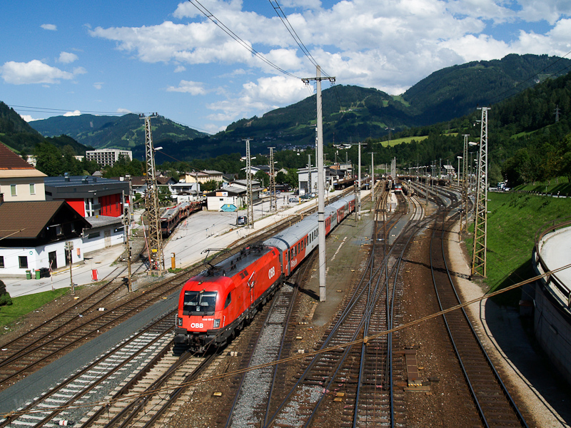 The ÖBB 1116 132-0 seen at  picture