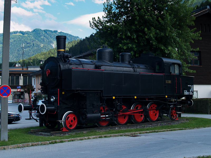 The ÖBB 93.1379 seen at Sch photo