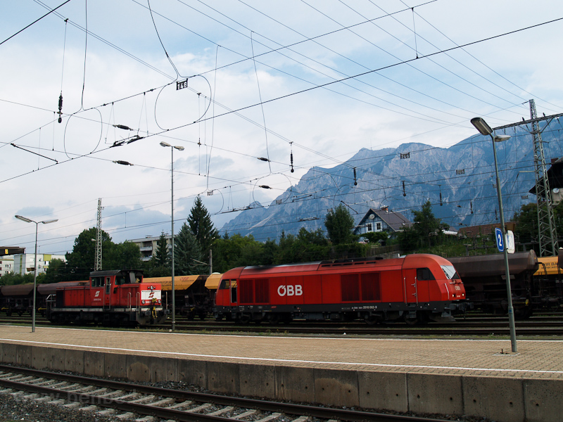 The ÖBB 2016 062 and the 20 photo