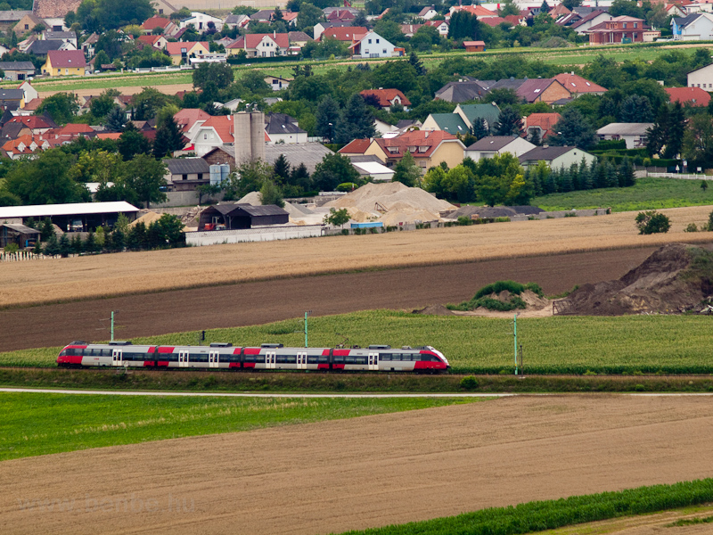 An ÖBB Talent on the Raaberbahn near Drassburg photo