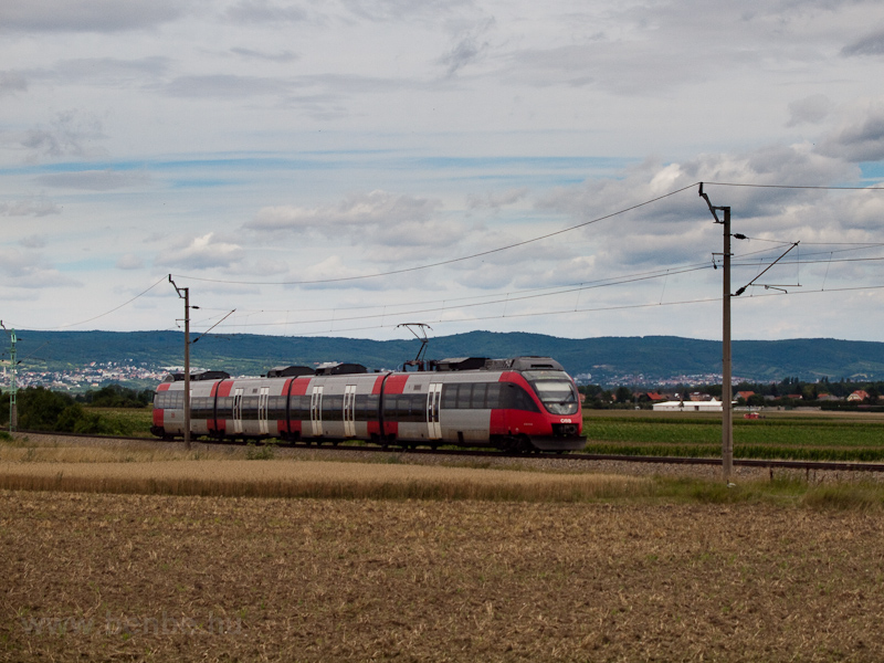The ÖBB 4124 013-6 seen bet photo