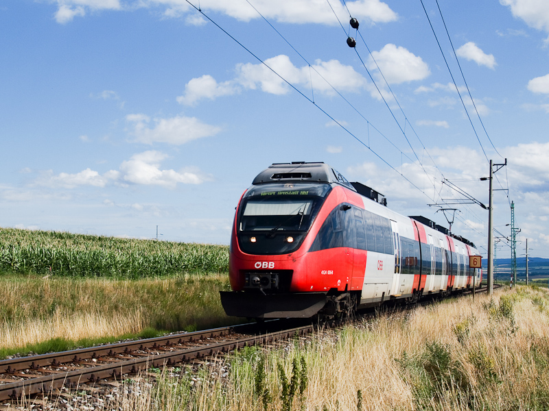 The ÖBB 4124 026-8 seen bet photo