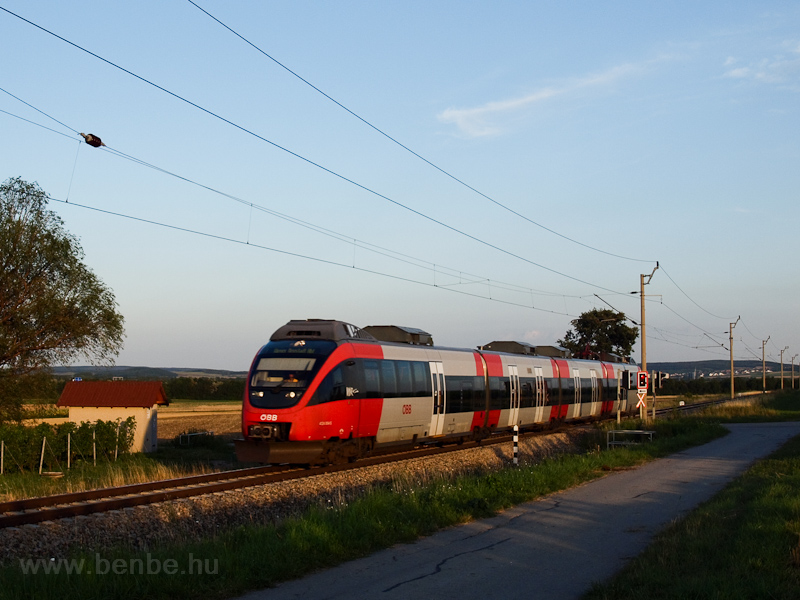 The ÖBB 4124 004-5 seen bet photo