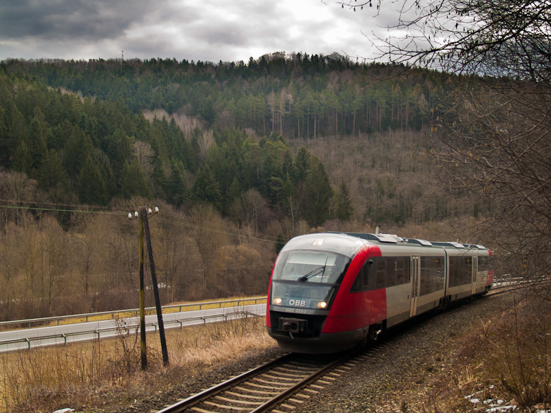 The ÖBB 5022 033-2 seen bet picture