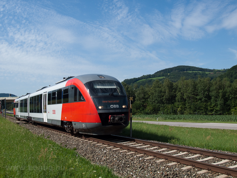 The ÖBB 5022 042-3 seen bet photo