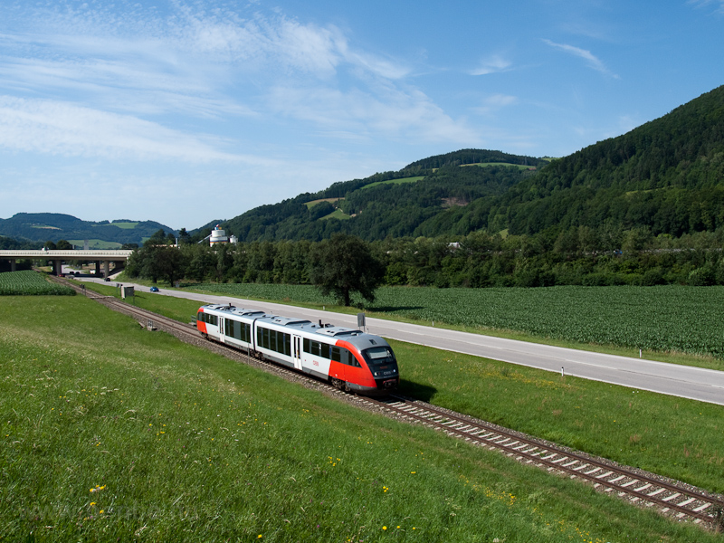 An unidentified ÖBB 5022  s photo
