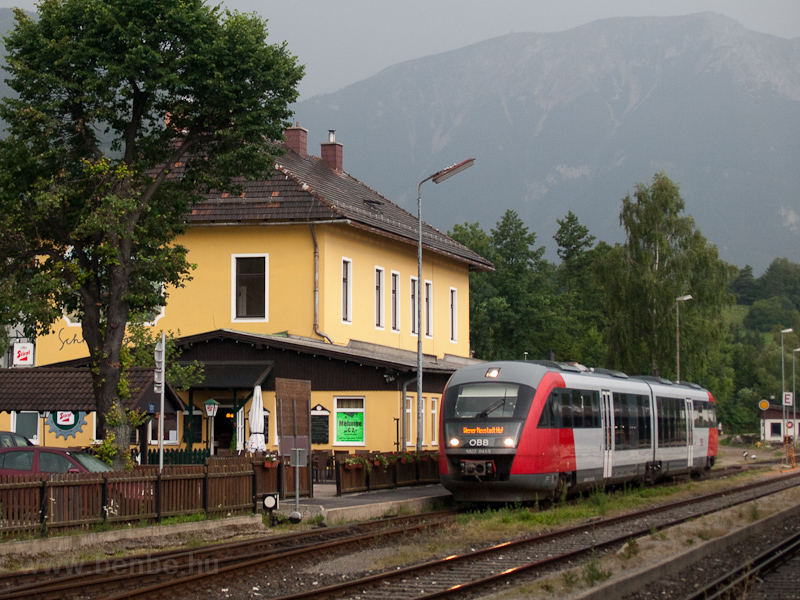 The ÖBB 5022 041-5 seen at  photo