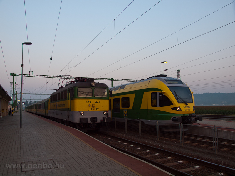 The GYSEV 430 334 and the 4 photo
