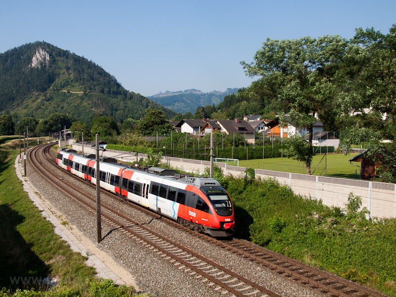 The ÖBB 4024 005-3 seen bet picture