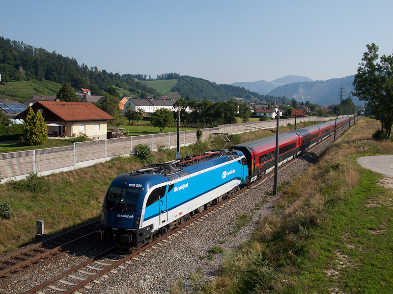 The ÖBB 1215 234 seen betwe picture