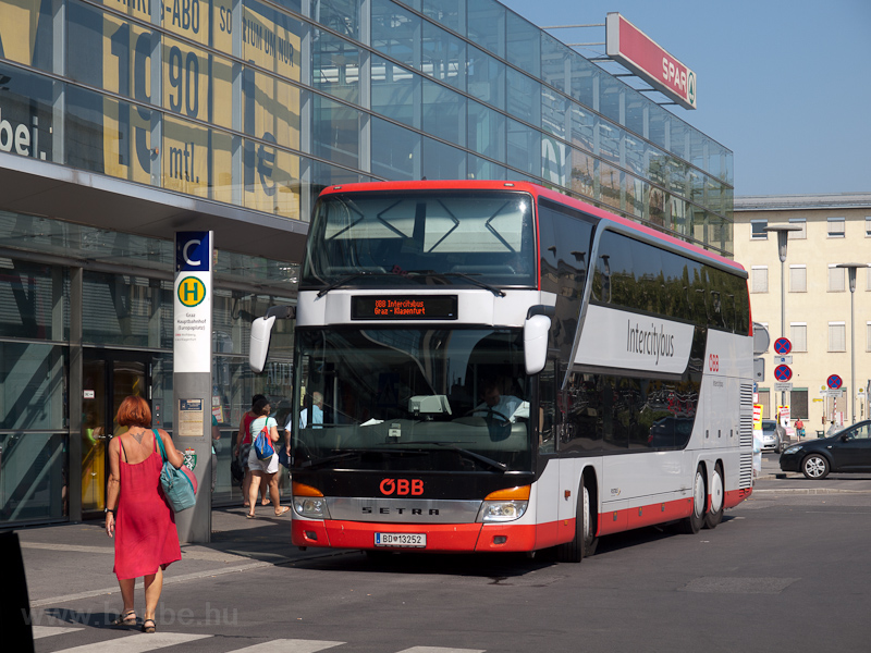 The ÖBB Graz-Klagenfurt IC Bus seen at Graz Hauptbahnhof photo