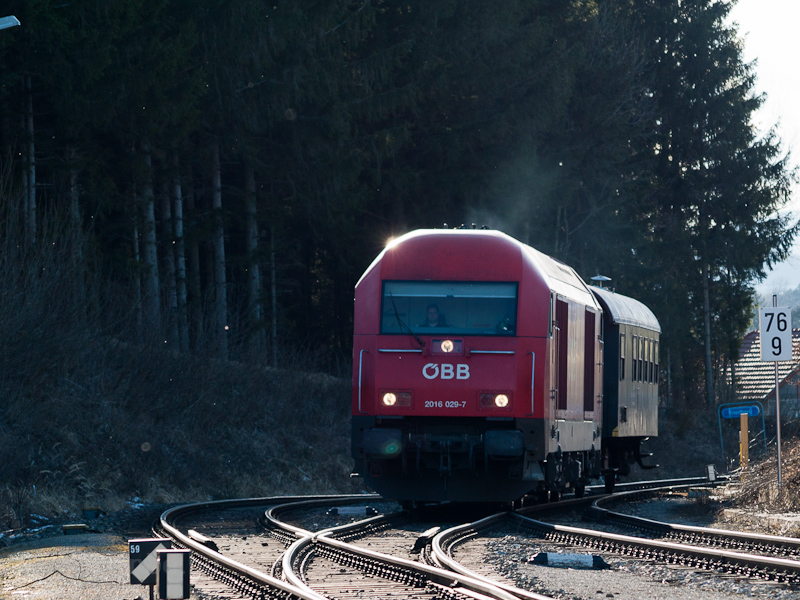The ÖBB 2016 029-7 seen at  photo