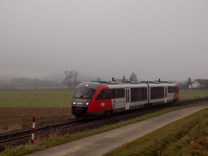 The ÖBB 5022 043-1 seen bet picture