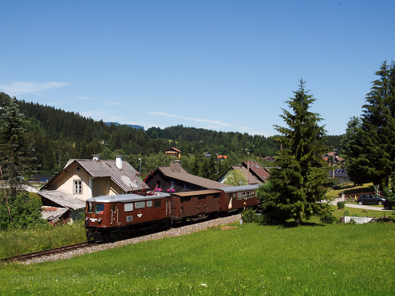 The NÖVOG E 10 seen between Mitterbach and Mariazell photo