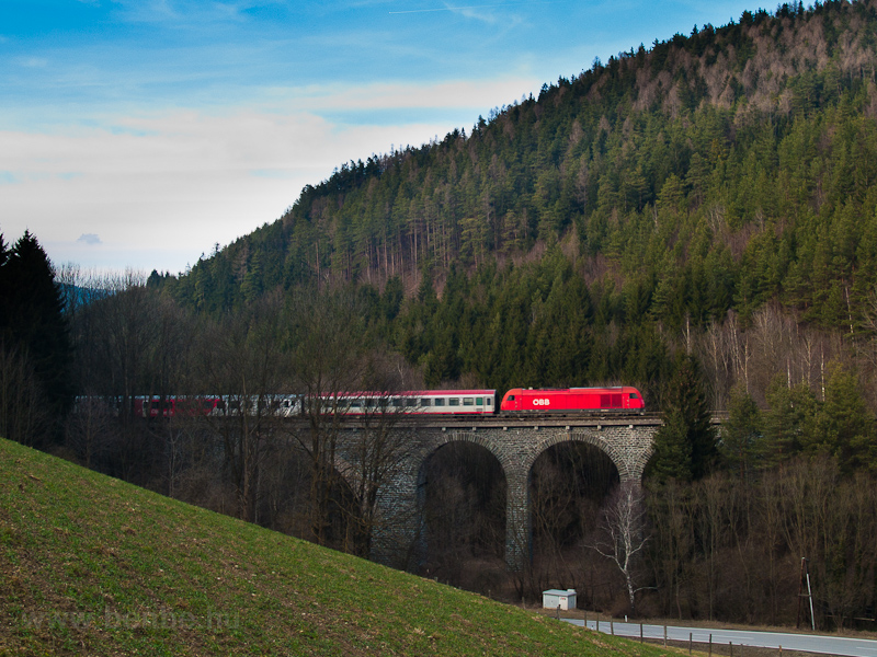 An ÖBB 2016  seen between Aspang Markt and Ausschlag-Zöbern on Ungarbach I viadukt photo