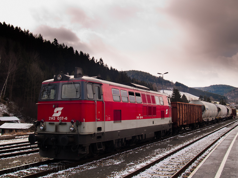 The ÖBB 2143 037-6 seen at  picture