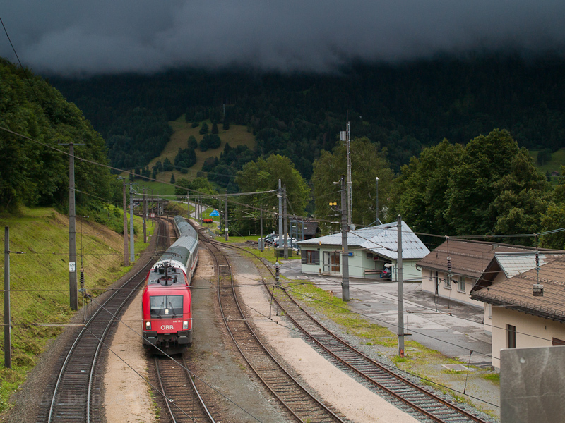 The ÖBB 1116 113-0 seen at  photo
