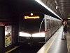 A V sorozatú, 3893 pályaszámú metró az U1 vonalon Pratersternben