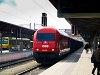 Az ÖBB 2016 001 Bécsújhely állomáson