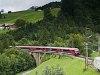 Az ÖBB railjet vezérlőkocsija Hintergasse és Dalaas között a Radonatobelbrückén
