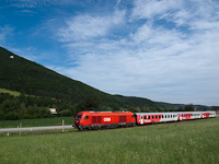 The ÖBB 2016 088 seen between Petersbaumgarten and Edlitz-Grimmenstein