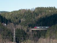 Egy ÖBB 5022  Dechantskirchen és Rohrbach-Vorau között a Burggraben-Viadukton