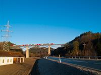 Egy �BB 5022 csatolt egys�g Rohrbach-Vorau �s Dechantskirchen k�z�tt a Lafnitz-viadukton