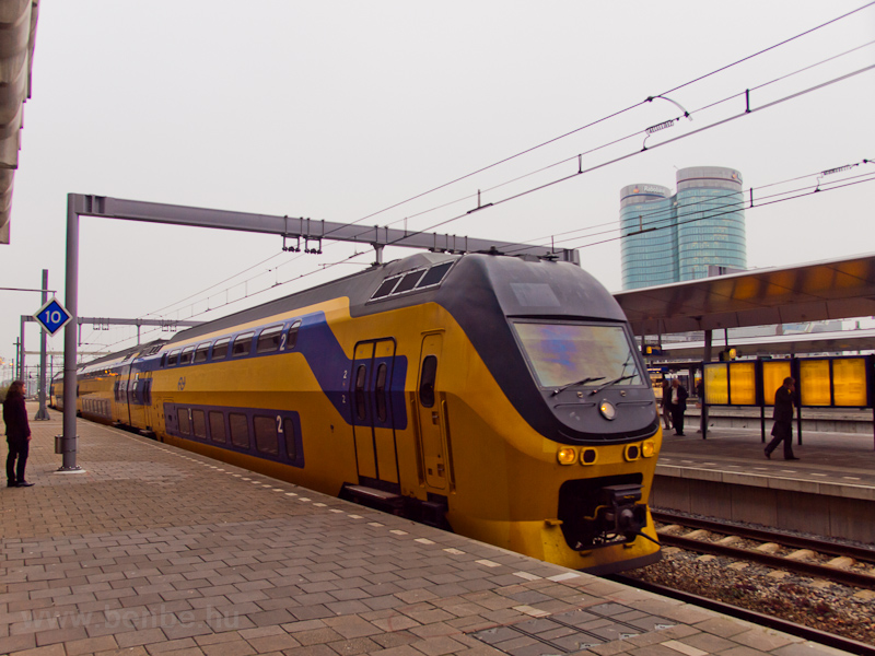 Egy NS VIRM motorvonat Utrecht Centraal állomáson fotó