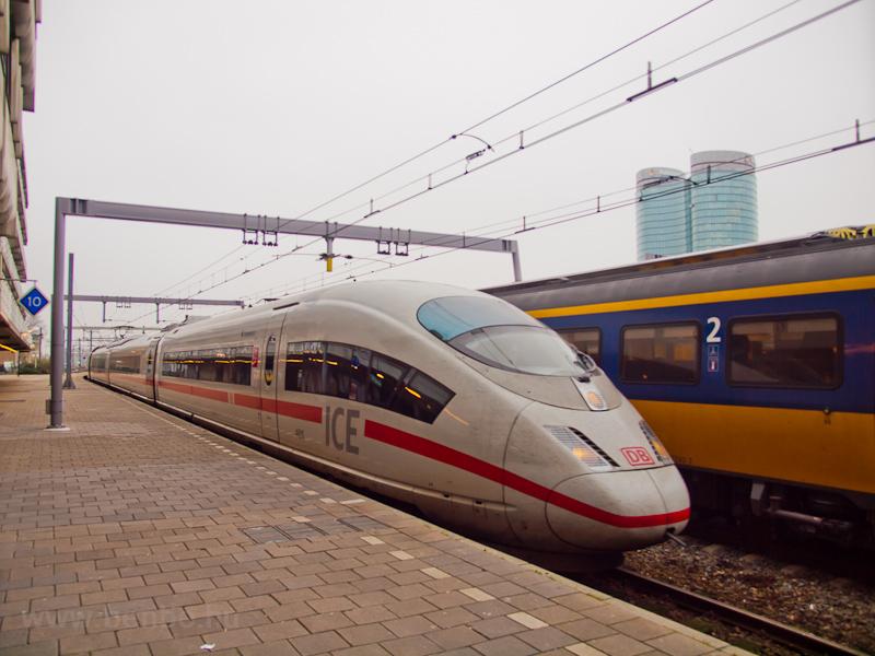 Egy DB ICE3 motorvonat Utre fotó
