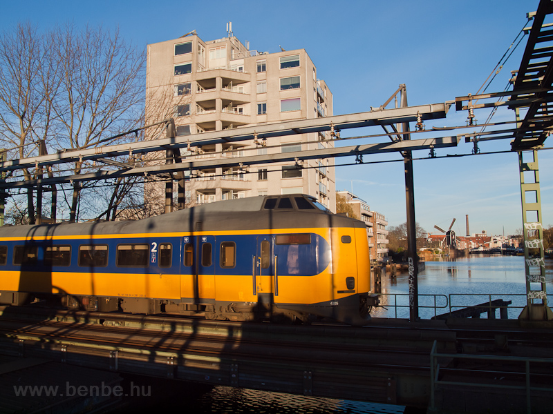 The NS class 4200 Koploper no. 4205 seen between Leiden Centraal and Leiden Lammenschans on a swing bridge photo