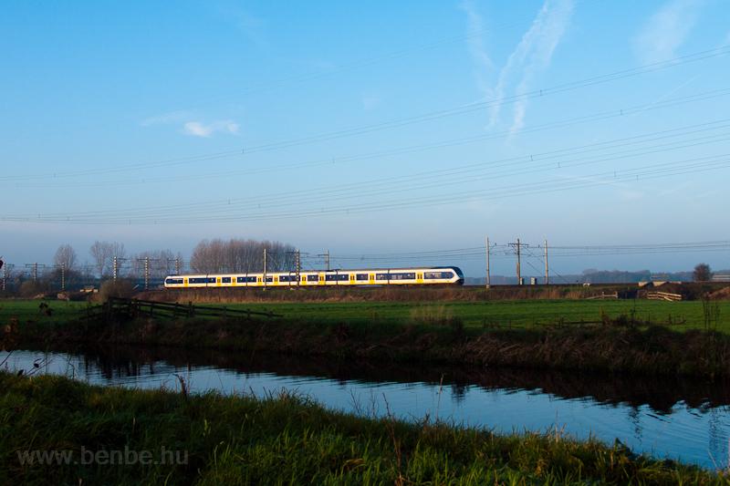 A Nederlandse Spoorwegen SLT motorvonata Voorschoten és De Vink között fotó
