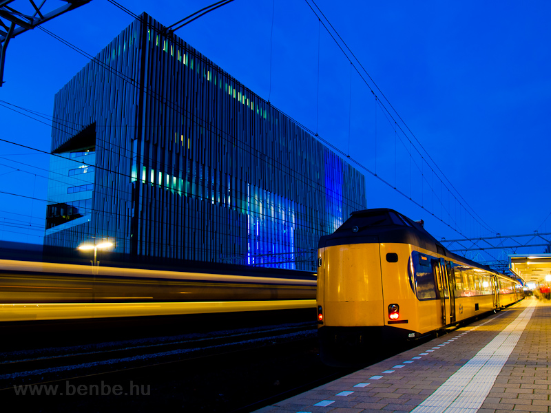 The Nederlandse Spoorwegen (NS) Koploper 4036 seen at Leiden Centraal photo