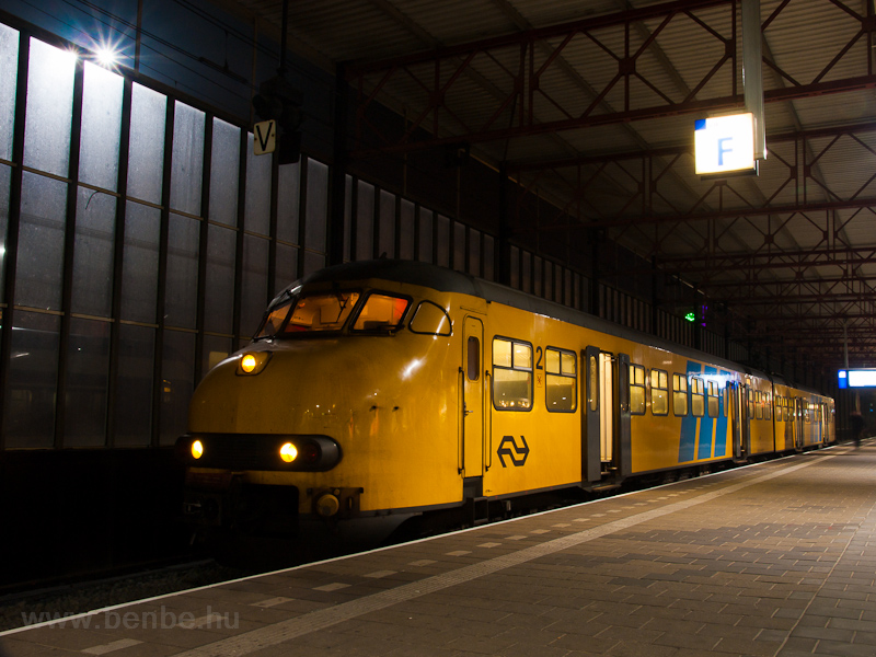 The NS Plan V 471 (class 435x) seen at Eindhoven station photo