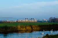 Egy hatrészes (Siemens gyártmányú) NS SLT (Sprinter LightTrain) motorvonat De Vink és Voorschoten között