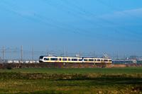 Two four-part NS Sprinter LightTrain multiple units seen between De Vink and Voorschoten