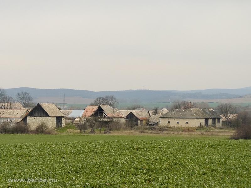 Falu Losonc mellett fotó