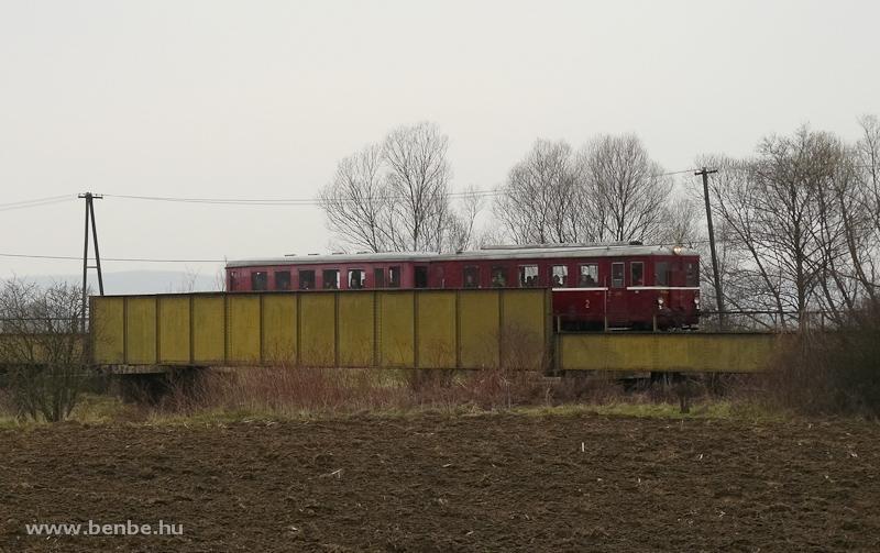 Az M 131.1053 a Rapp és Losonc között az Ipoly-hídon fotó