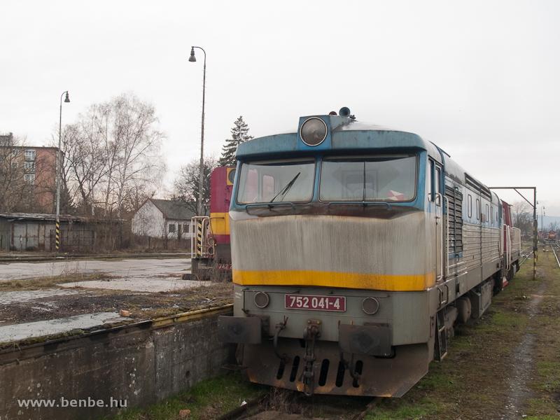 A ŽSCS 752 041-4 Losoncon fotó