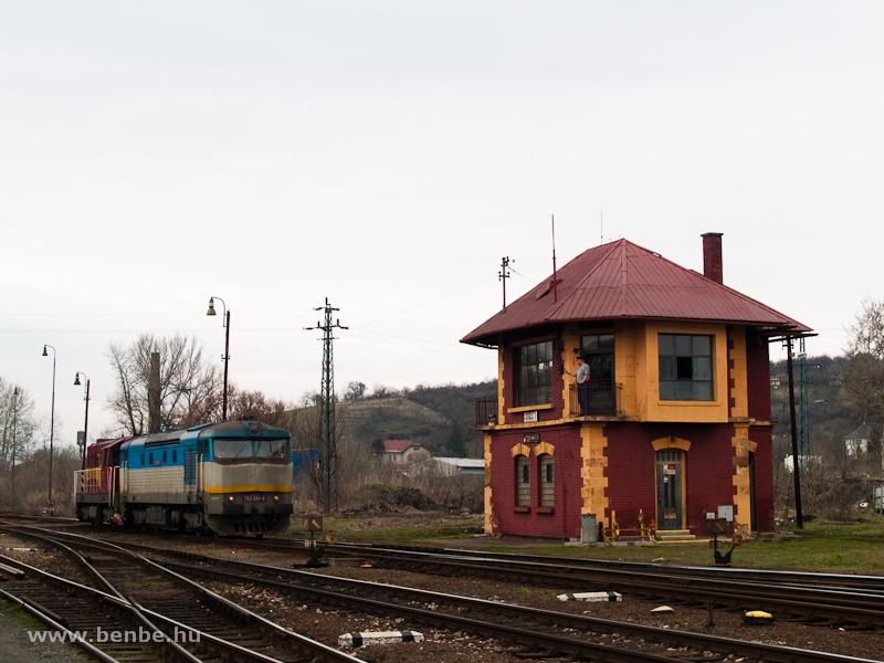 A ŽSCS 752 041-4 és a 742 352-8 Füleken fotó