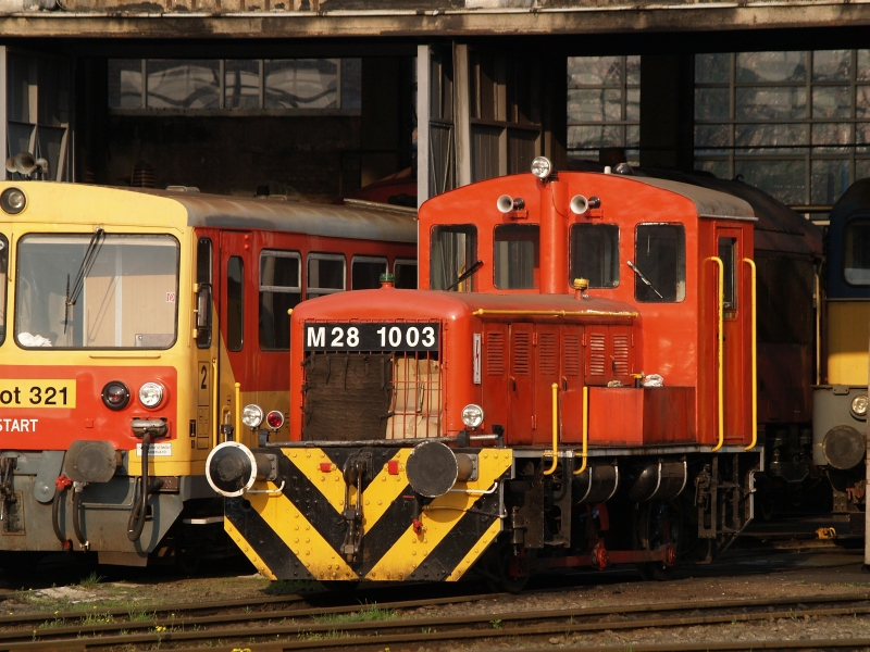 The M28 1003 at Székesfehérvár depot photo