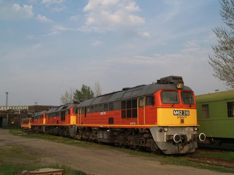 M62 318 a székesfehérvári fűtőházban fotó