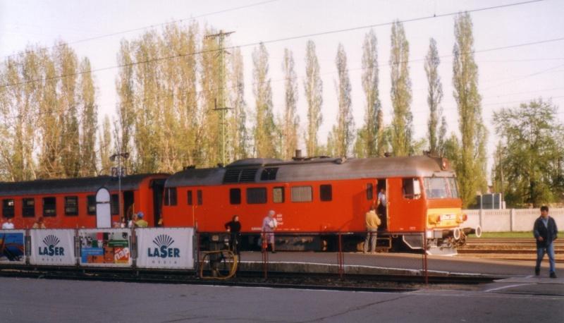 MDmot 3009 Pécs állomáson fotó