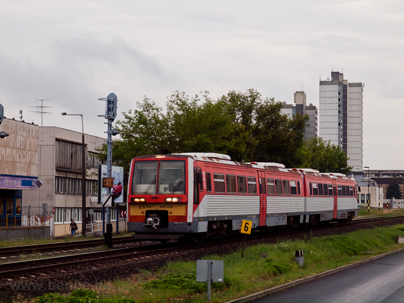 The MÁV-START 416 035 seen  photo