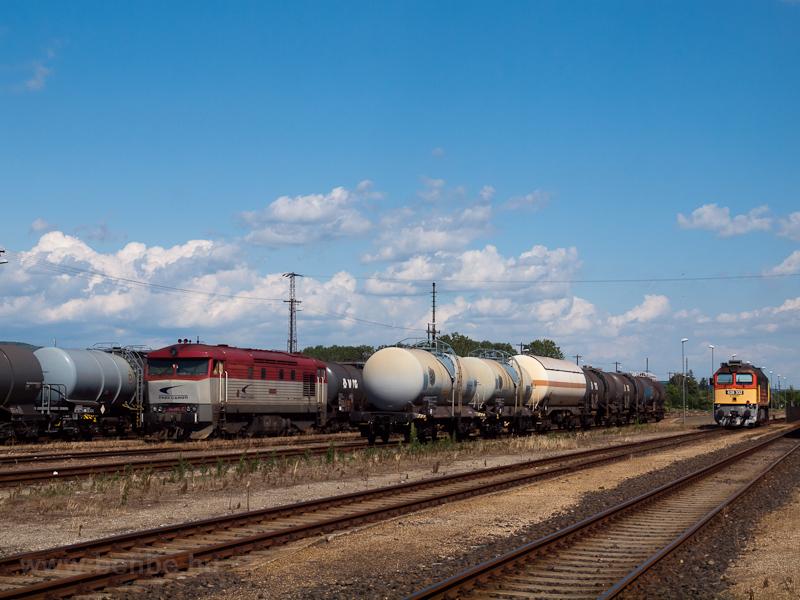A ŽSSKC 751 200-4 Bánréve állomáson fotó