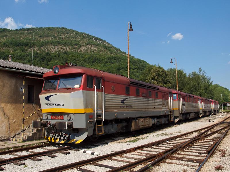 A ŽSSKC 751 059-7 Pels fotó